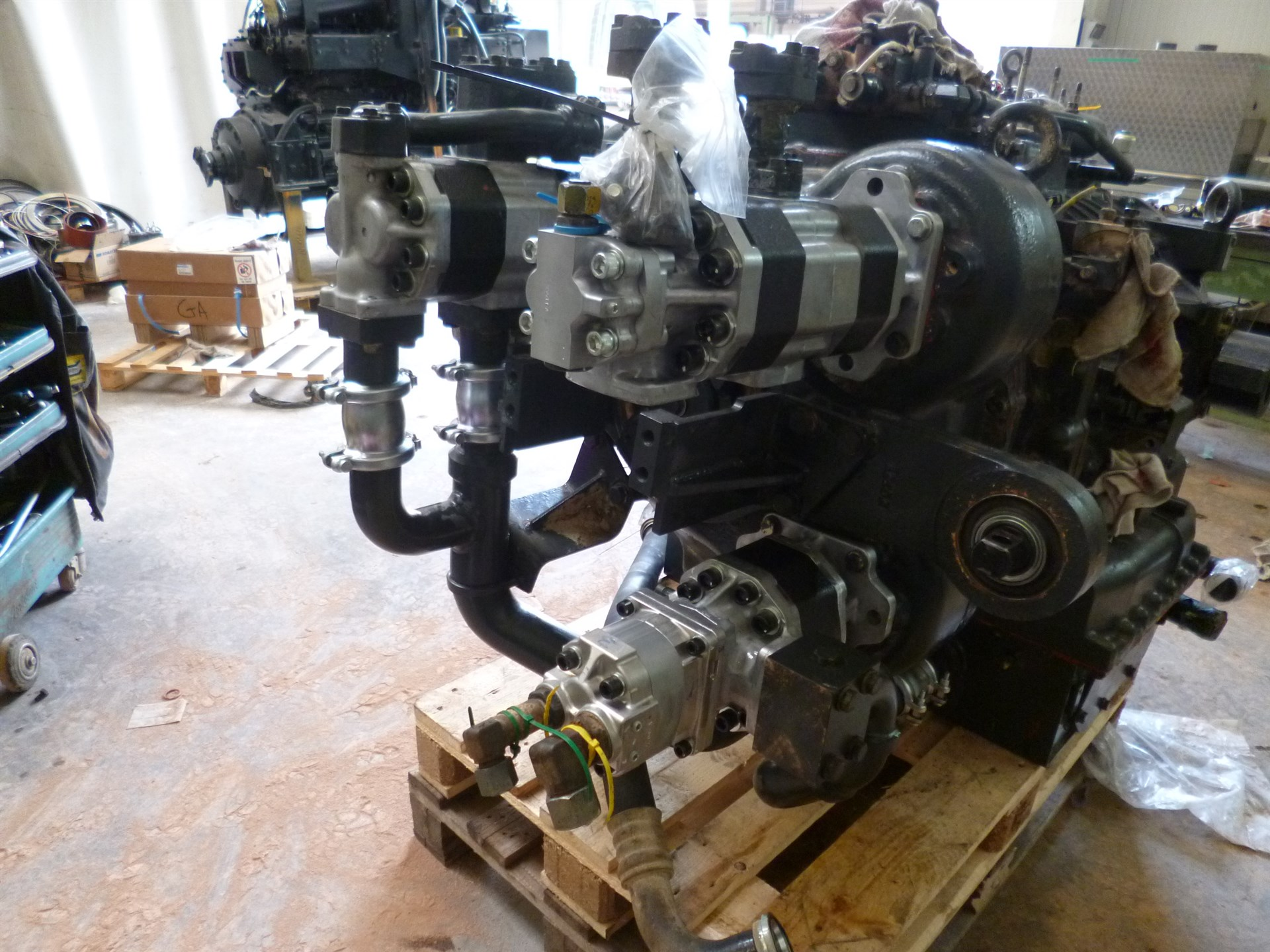 Reconditioning of the gear box and the hydraulic pumps
